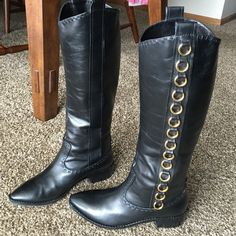 """VERO COUIO Signature black knee Boots S 9,5-10 VC signature ,black,size 9,5 (41europ.)all leather,rounded almond shape toe,golden hardware,no zipper,pull on style .Heel 2"""". shaft 15,5"""".  Circ.14"""". Length 17""""from heal .I bought them in Italy and worn once ,too narrow shaft Vero Couio Shoes"""