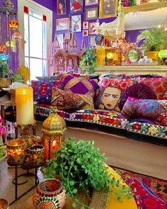 33 Stunning Bohemian Living Room Decor Ideas - The adjective 'shabby' has been given new life, especially after the Bohemian aesthetic came into vogue in the and It is a look that aims to . Colourful Living Room, Boho Living Room, Living Room Decor, Bedroom Decor, Decor Room, Colourful Home, Colourful Bedroom, Barn Living, Cozy Bedroom
