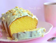 Хочу предложить вам изумительный, безууууумно вкусный рецепт кекса на сгущенном молоке. Он готовится так просто и легко, смешал все продукты и все, а главное, какой он на вкус, текстура у кекса-как...