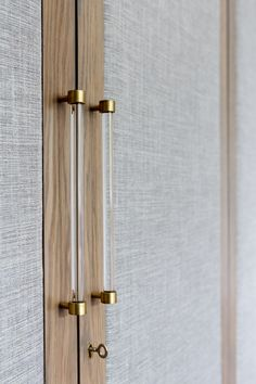 Let us show yo amazing inspirations - Bespoke Handles Source by pullcast Wardrobe Door Handles, Wardrobe Doors, Luxury Wardrobe, Bedroom Wardrobe, Wardrobe Door Designs, Closet Designs, Br House, Bedroom Cupboard Designs, Bedroom Door Design
