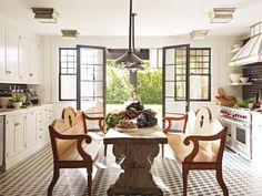 Steven Gambrel Elle Decor Hamptons Home Elle Decor, Beautiful Kitchens, Beautiful Homes, Beautiful Days, Simply Beautiful, Sweet Home, Eat In Kitchen, Kitchen Dining, Kitchen Ideas