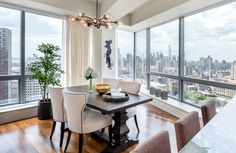Dining and bar with a view of Manhattan skyline