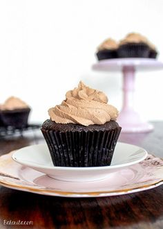 1000+ images about more cupcakes lll on Pinterest | Cupcake, Ferrero ...