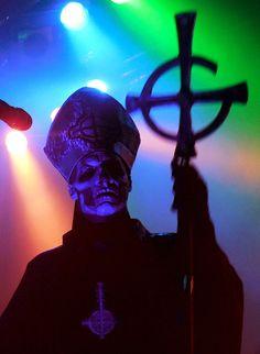 Papa Emeritus II / Ghost. Photo: Anne Swallow.