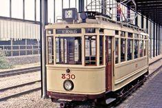 HTM 830 Lijn 8 in het Spoorwegmuseum te Utrecht 1975