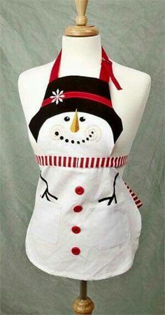 For a child: snowman apron. Christmas Aprons, Christmas Sewing, Christmas Projects, Holiday Crafts, Christmas Crafts, Christmas Decorations, Snowman Party, Snowman Crafts, Sewing Hacks