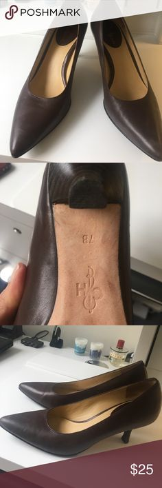 Cole Haan pump 7b Cute low heel pump hardly worn Cole Haan Shoes Heels