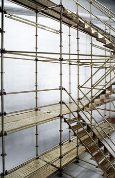 Creative Metalworks : Scaffold Resourse (for John) Architecture Design, Temporary Architecture, Design Despace, Interior Design, Design Ideas, Temporary Structures, Scaffolding, Exhibition Space, Stage Design