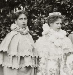 Among the grand tiara-wearing royals of the twentieth-century, few are more dramatic and intriguing than Queen Marie of Romania. Princess Victoria, Queen Victoria, Marie Diamond, Royal Families Of Europe, Baronet, Royal Queen, History Photos, Royal Jewels, Europe