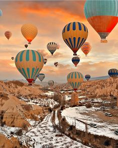 Sunrise in Cappadocia - Turkey ✨❤️❤️❤️✨.Picture by ✨✨ for a feature ❤️ - Wonderful Places ( Air Balloon Rides, Hot Air Balloon, Cool Places To Visit, Places To Travel, Wonderful Places, Beautiful Places, Amazing Places, Balloons Photography, Capadocia