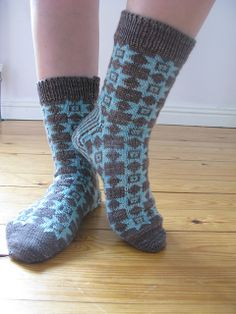 Ravelry: Project Gallery for The Patchwork Socks pattern by Pinneguri
