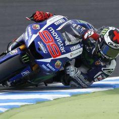 Lorenzo bate Rossi na última volta e faz a pole no Japão
