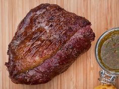 How to barbecue Picanha - BBQ heroes Barbecue Side Dishes, Barbecue Recipes, Bbq Meat, Bbq Grill, Vegan Dinner Party, Green Egg Recipes, Camping Bbq, Summer Bbq, Vegan Dinners