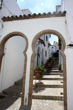 Andalucía / Spain - Entrance to the Jewry Zahara de la Sierra, Cádiz Andalusia Spain, Europe, Cadiz, Sierra, Outdoor Structures, Places, Israel, Beautiful Landscapes, Courtyards