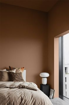 The Scandinavian company Jotun Lady predicts the interior colour trends of 2020 with 12 new colours Green Wall Color, Mint Green Walls, Modern Master Bedroom, White Bedroom, Master Bedrooms, Wall Paint Inspiration, Murs Beiges, House Of Philia, Jotun Lady