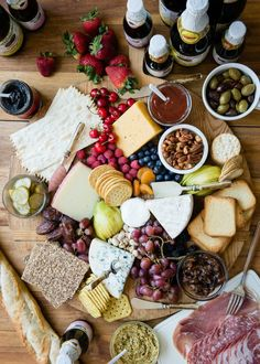 How to Build an Epic Cheese Board for a Summer Party | http://helloglow.co/how-to-build-a-cheese-board/