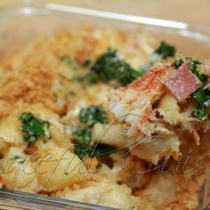 Gourmet baked macaroni and cheese recipe with crab and kale