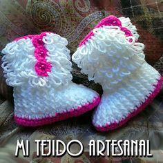 Crochet Tutorial Zapatitos Bebe Escarpines : BOTITAS BUCLE PARA BEBE.Infinidad de creaciones tejidas al crochet ...