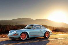 #Porsche Singer 911 !
