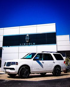 2015 Lincoln Navigator. I love it. Born to be different .