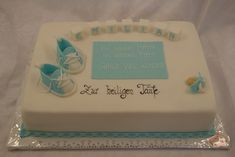 image (900×602) Book Cakes, Butter Dish, Dishes, Desserts, Baptism Cakes, Yummy Cakes, Bakken, Baby Giraffes, Tailgate Desserts