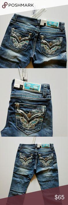 Realtree by Grace in La Turquoise Camo Capri Jeans NWT Medium indigo wash Grace in La capri  imported  jeans. 98% Cotton/2% Spandex. Flap pocket.  Realtree turquoise camo capri jeans. Grace in La Jeans Ankle & Cropped