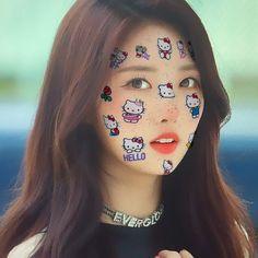 siheyon everglow icons hello kiity icon South Korean Girls, Korean Girl Groups, Hello Kitty, Yuehua Entertainment, Korean Celebrities, Cute Icons, Aesthetic Girl, Taekook, K Idols