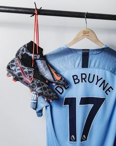 Kevin De Bruyne EA Sports Football Boots Kevin De Bruyne x Manchester City x can find Manchester city and more. Adidas Soccer Shoes, Nike Football Boots, Sports Football, Ea Sports, Messi, Manchester City Wallpaper, Manchester Football, Nike Presents, Football Background