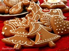 a Sv. Gingerbread Cookies, Cookie Recipes, Baking, Desserts, Food, Bread Making, Tailgate Desserts, Ginger Cookies, Deserts