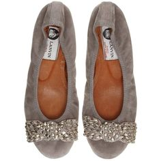 Pre-owned Lanvin Taupe Suede Ballet With Gold Crystal Bow Flats ($330) ❤ liked on Polyvore featuring shoes, flats, taupe, taupe flats, bow flats, ballet flats, taupe ballet flats and elastic ballet flats