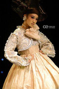 Guo Pei Couture, China meets Europe . . .