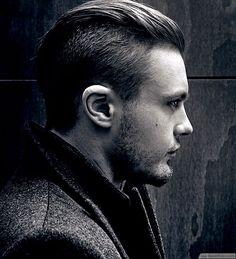 Short Undercut Hair Style For Men ❥❥❥ http://bestpickr.com/punk-hairstyles-for-men