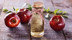 Apple Cider Vinegar has a wide rage of usage and is also used for skin care. Read more on apple cider vinegar for weight loss. Apple Cider Vinegar Toner, Apple Cider Vinegar Remedies, Apple Health Benefits, Apple Cider Benefits, Foot Remedies, Vinegar Weight Loss, Natural Home Remedies, Kefir, Wooden Background