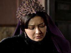 Close-up for kosem's purple jewlery/headpiece ,... - Magnificent Wardrobe
