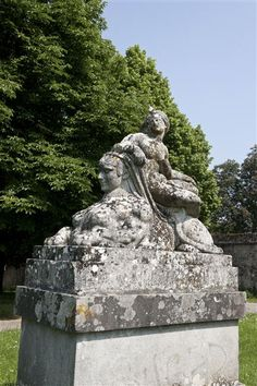 Venus on a Sphinx by Auguste Préault, 1870. Chateau of Fontainebleau. #sphinx #sculpture #19thcentury Sphinx, Fontainebleau, Human Head, Auguste, Giza, Mythical Creatures, French Antiques, Les Oeuvres, Venus