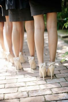 I love the subtle bow at the back of these bridesmaid's heels. These would be pretty for a bride is a shorter dress too. Shoes by Badgley Mischka via Style Me Pretty Bow Shoes, Cute Shoes, Me Too Shoes, Perfect Wedding, Our Wedding, Dream Wedding, Wedding Things, Summer Wedding, Looks Style