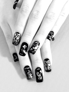 #Black & #white #photo of mundo de uñas using #handy #plate 2, #zombies, #hello #kitty, #ghosts & #skeletons. Look at my previous photo in #color for more #details on the #colors I #used :)