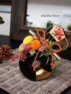 プリザ作品etc. Small Flower Arrangements, Small Flowers, Blue Flowers, Chinese New Year, Flower Art, Diy And Crafts, Bouquet, Table Decorations, Floral Designs