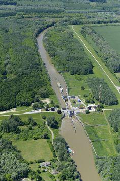 A Sió-csatorna Gemencnél (Szeretlek Magyarország - magyar folyók képei a magasból) River, Outdoor, Hungary, Outdoors, Rivers, Outdoor Games