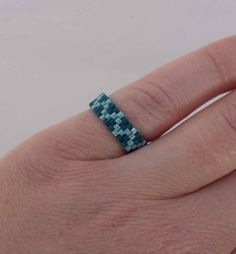 Simply SEED BEAD Ring - Wiggly Line in Green