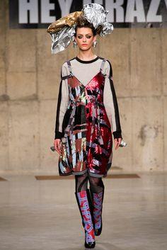 Louise Gray Fall 2013 Ready-to-Wear Fashion Show