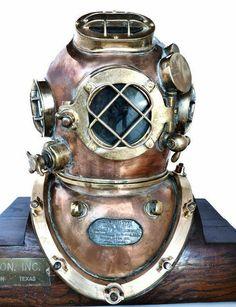 1943 Miller-Dunn Navy Mk V Nautical Dive Helmet - Famous Diver Diving Helmet, Diving Suit, Sea Diving, Diver Down, Deep Sea Diver, Scuba Diving Equipment, Leagues Under The Sea, Nautical, Navy