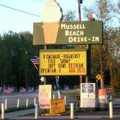 Mussell Beach Drive-In, State Park Drive, Bay City, Michigan ~ Eat in or eat out ~ Love this place. Bay City Michigan, State Of Michigan, Vintage Ads, Small Towns, State Parks, Drive Bay, Yummy Treats, Beach, Places