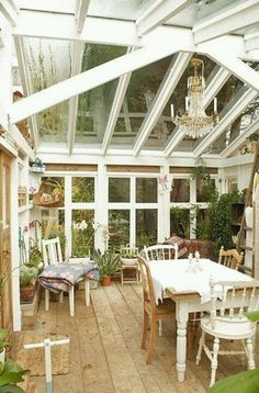 Oh how I would love to have a greenhouse or a conservatory like this to just enj. Oh how I would love to have a greenhouse or a conservatory like this to just enjoy relaxing in, making projects, relax with a cup of tea. Cheap Greenhouse, Greenhouse Interiors, Indoor Greenhouse, Greenhouse Wedding, Greenhouse Plans, Cheap Pergola, Indoor Gardening, Gardening Tips, Station D'empotage