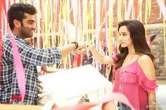 Half Girlfriend's New Song Thodi Der Featuring Arjun Kapoor & Shraddha Kapoor Hindi Movie Video, New Hindi Movie, Movie Songs, Recent Movies, New Movies, Half Girlfriend Movie, Mohit Suri, Latest Hindi Movies, Making A Relationship Work