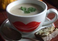 Sopa de nabos y manzanas con queso Stilton. Inglaterra Queso, Stilton, Tableware, Kitchen, Home, Gluten Free Recipes, Soup Recipes, British Cuisine, Diners