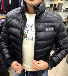 Пуховик EA7,цена 7000,по заказу пишите viber-89230162838