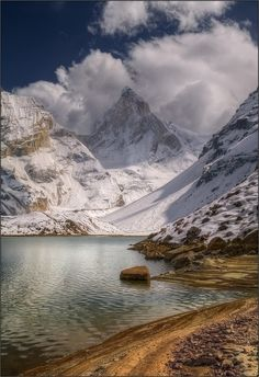 Lake Kedartal (also known as Shiva's Lake), at Thalay Sagar (6904 m), in the Garhwal region of the Himalayas, India