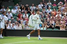 TENNIS BOULEVARD: Novak Djokovic premieres HEAD bag at Wimbledon