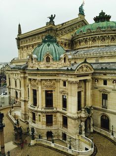 Classic Architecture, Historical Architecture, Beautiful Architecture, Beautiful Buildings, Paris Opera House, Paris Opera Ballet, La Provence France, Travel Around The World, Around The Worlds